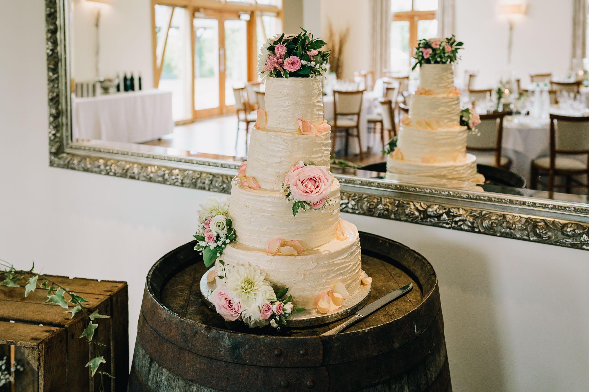 HANDMADE WEDDING CAKE WITH FLOWERS