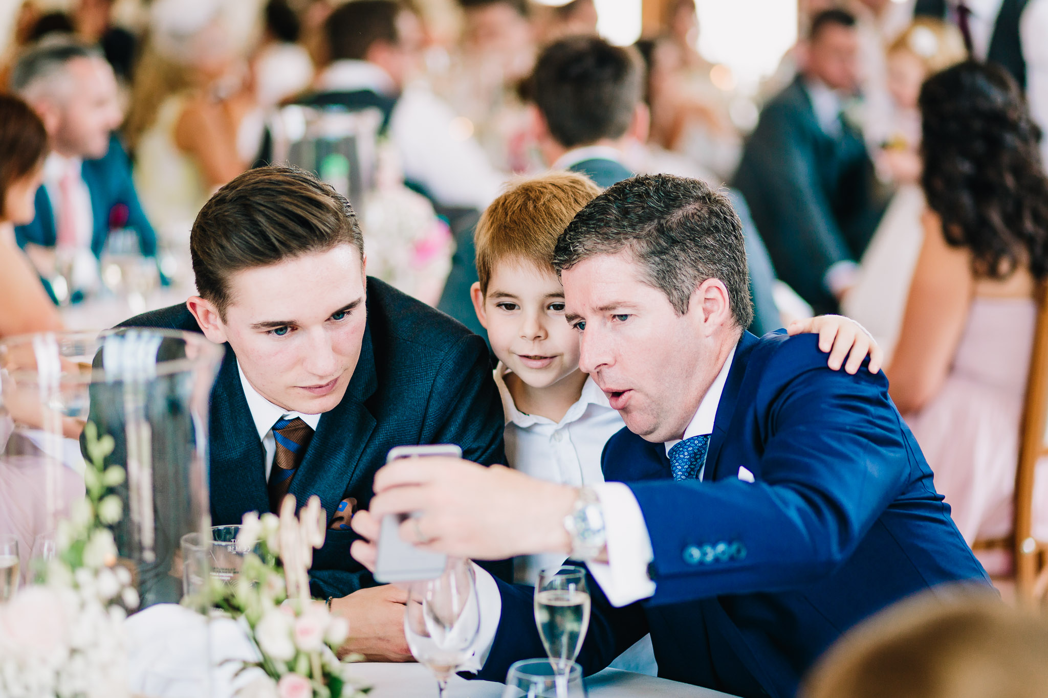 WEDDING GUESTS CANDID PORTRAITS