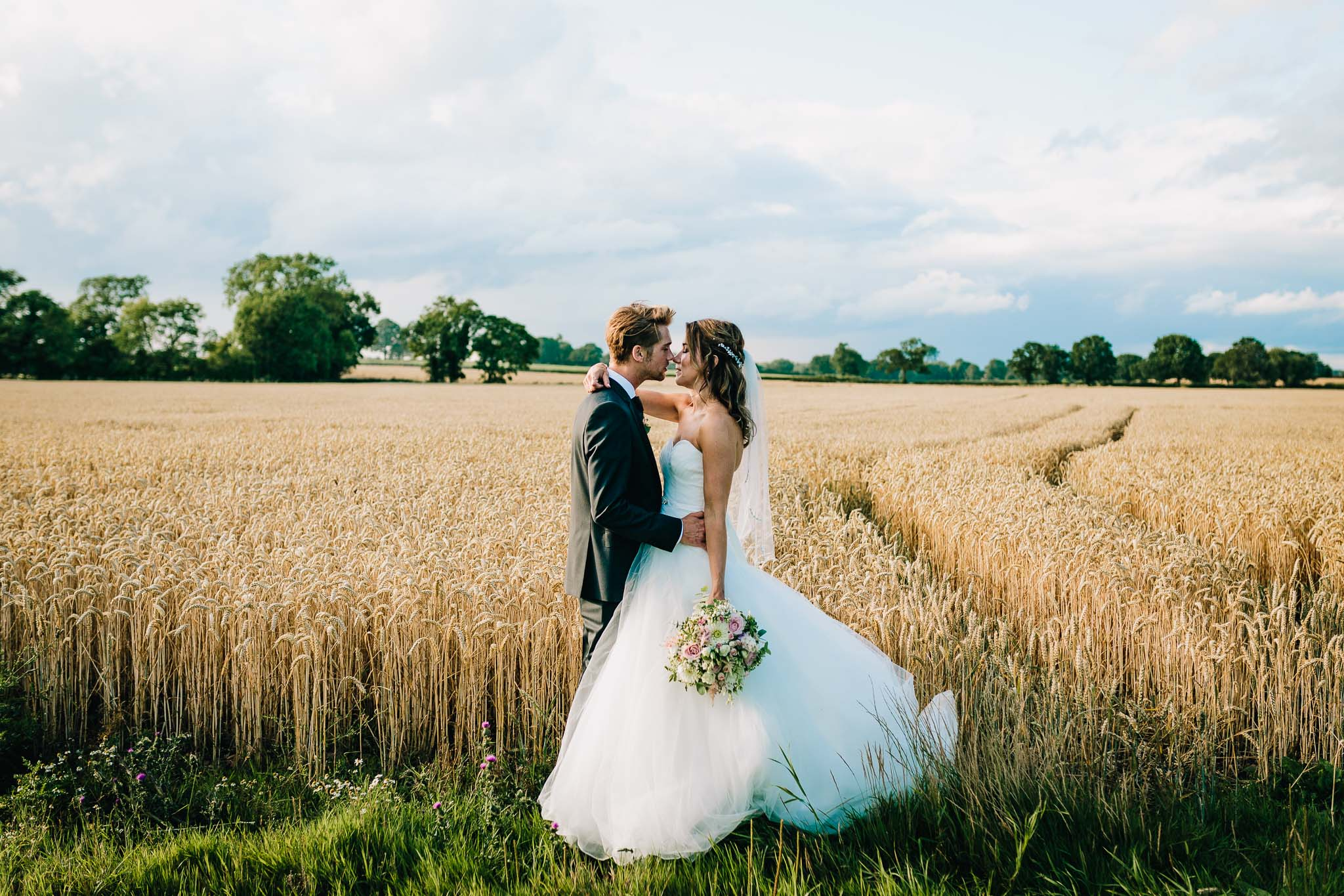 ROMANTIC BRIDAL PORTRAITS IN WHEAT FIELD SUMMER