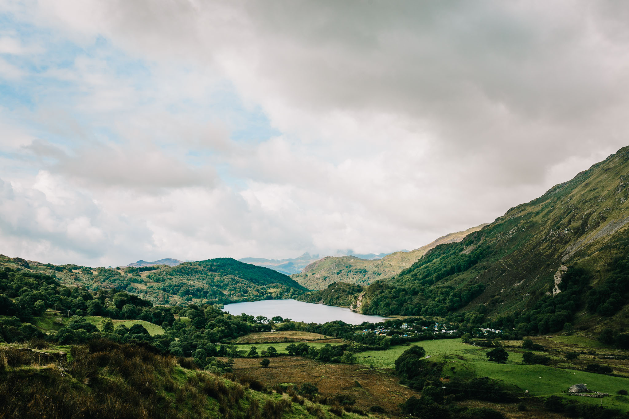LANDSCAPE PHOTO OF LLYN GWYNANT IN SNOWDONIA NATIONAL PARK