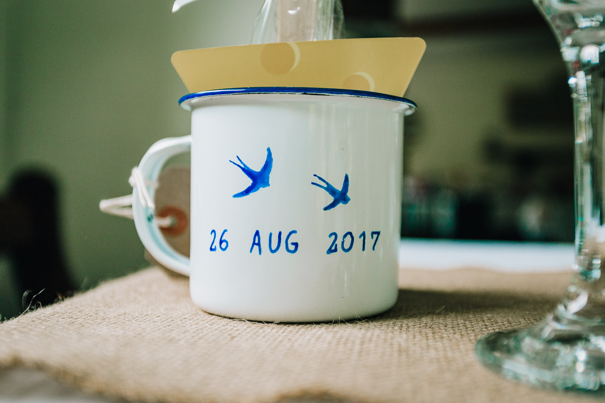 METAL CAMPING STYLE CUP WITH SWALLOWS AND WEDDING DATE