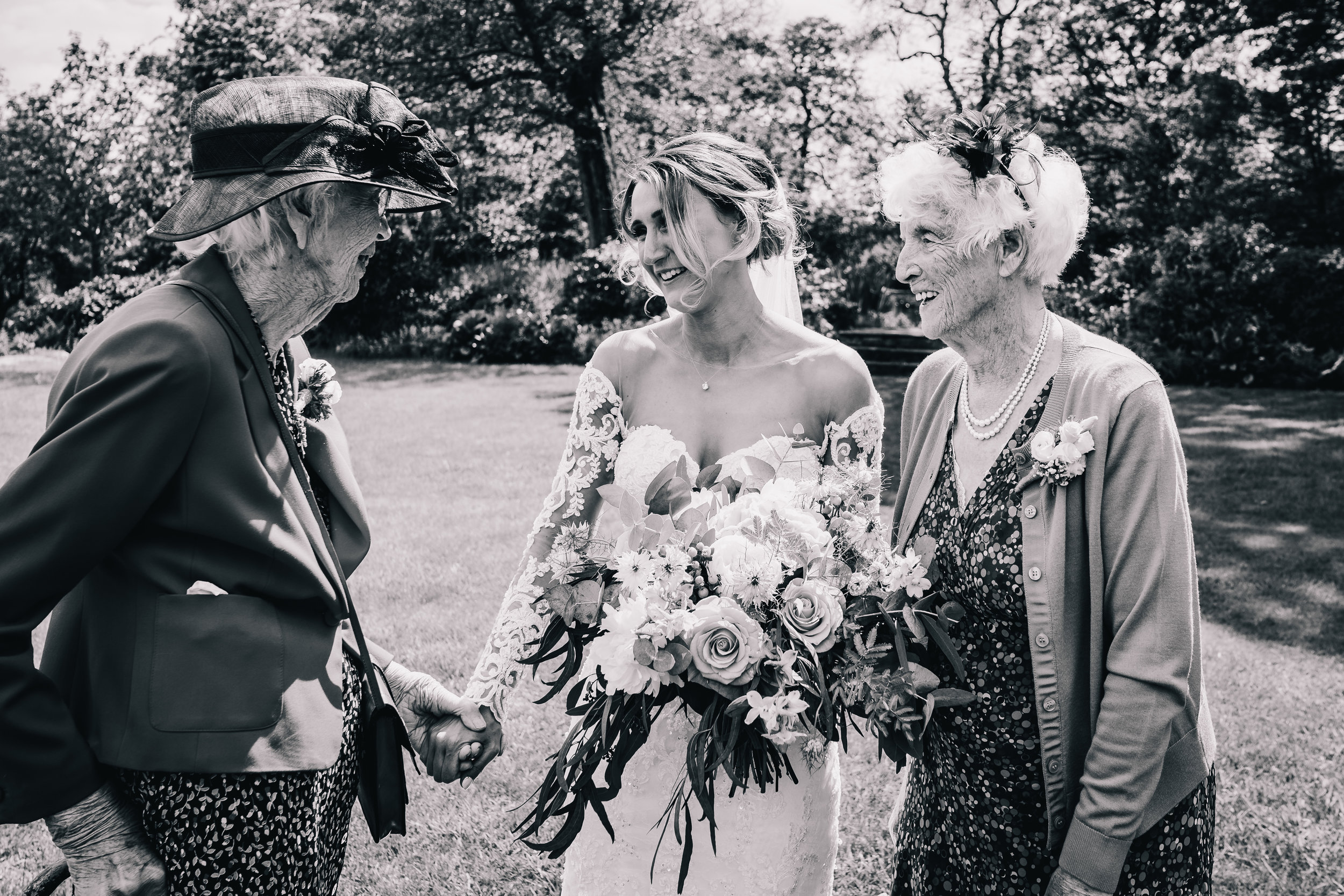 BRIDE WITH BOTH GRANDPARENTS GRANDMAS BLACK AND WHITE