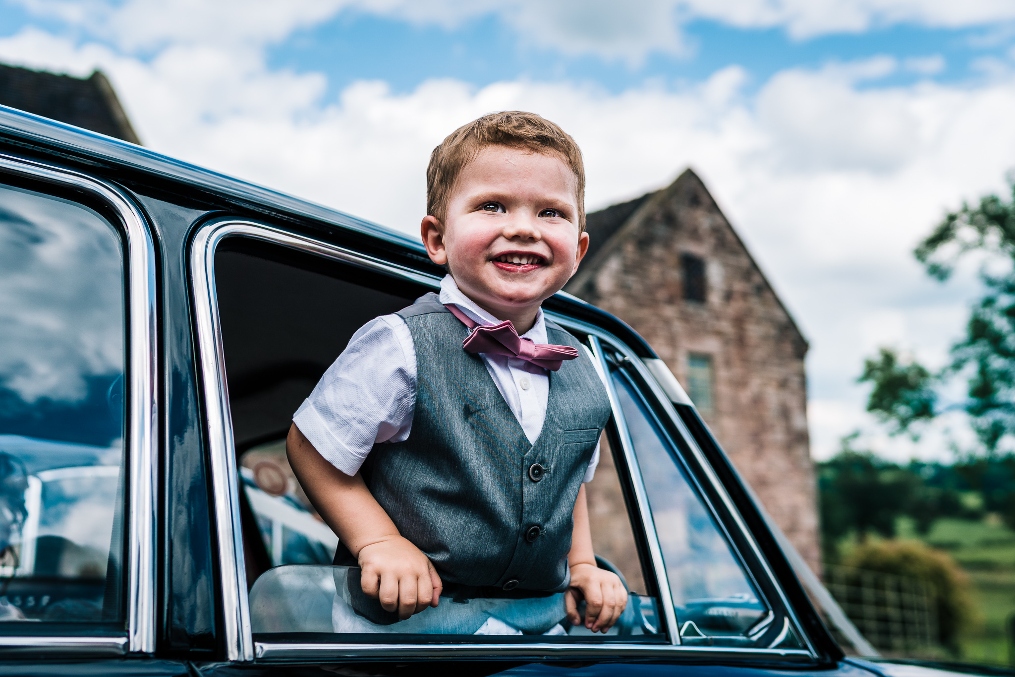 LITTLE BOY AT STAFFORDSHIRE SUMMER WEDDING