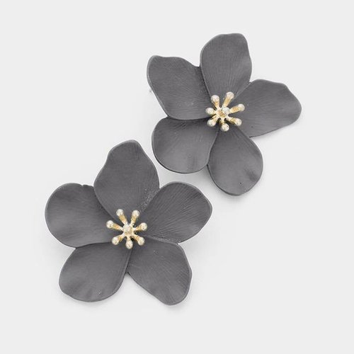$18.99 GRAY BLOOM FLOWER STUD EARRINGS