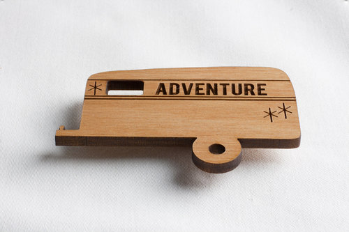 $9.99 CAMPER ADVENTURE WOOD MAGNET