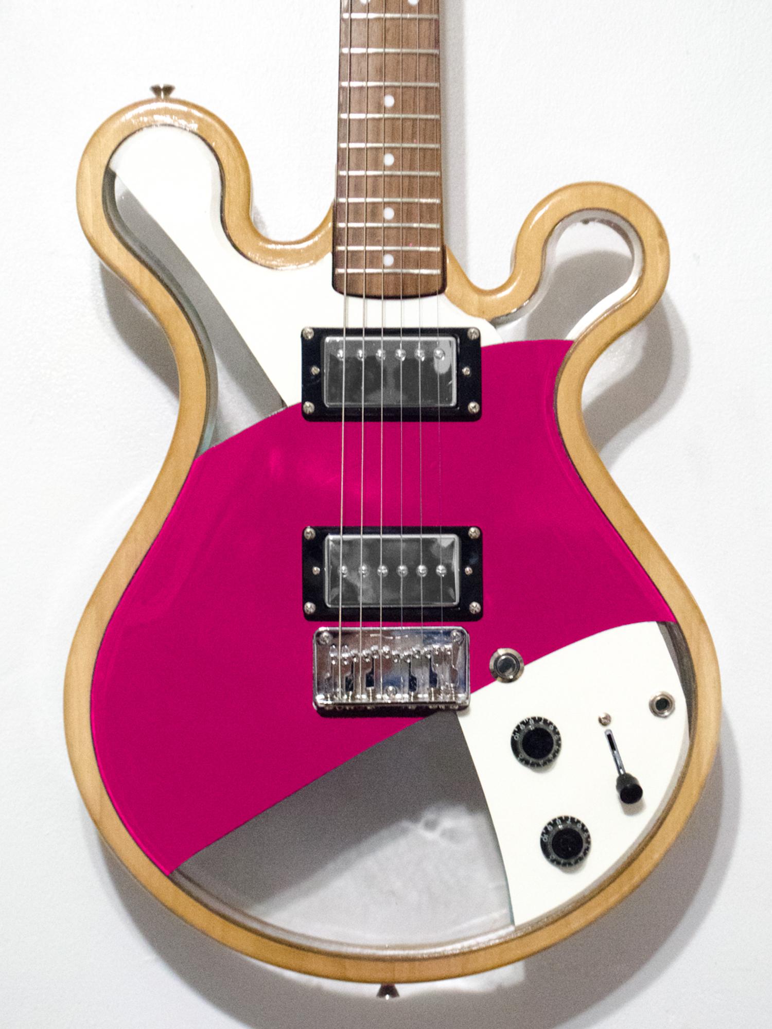 Loop_Custom_Gallo_Guitar_LED_Art_©2017-1.jpg