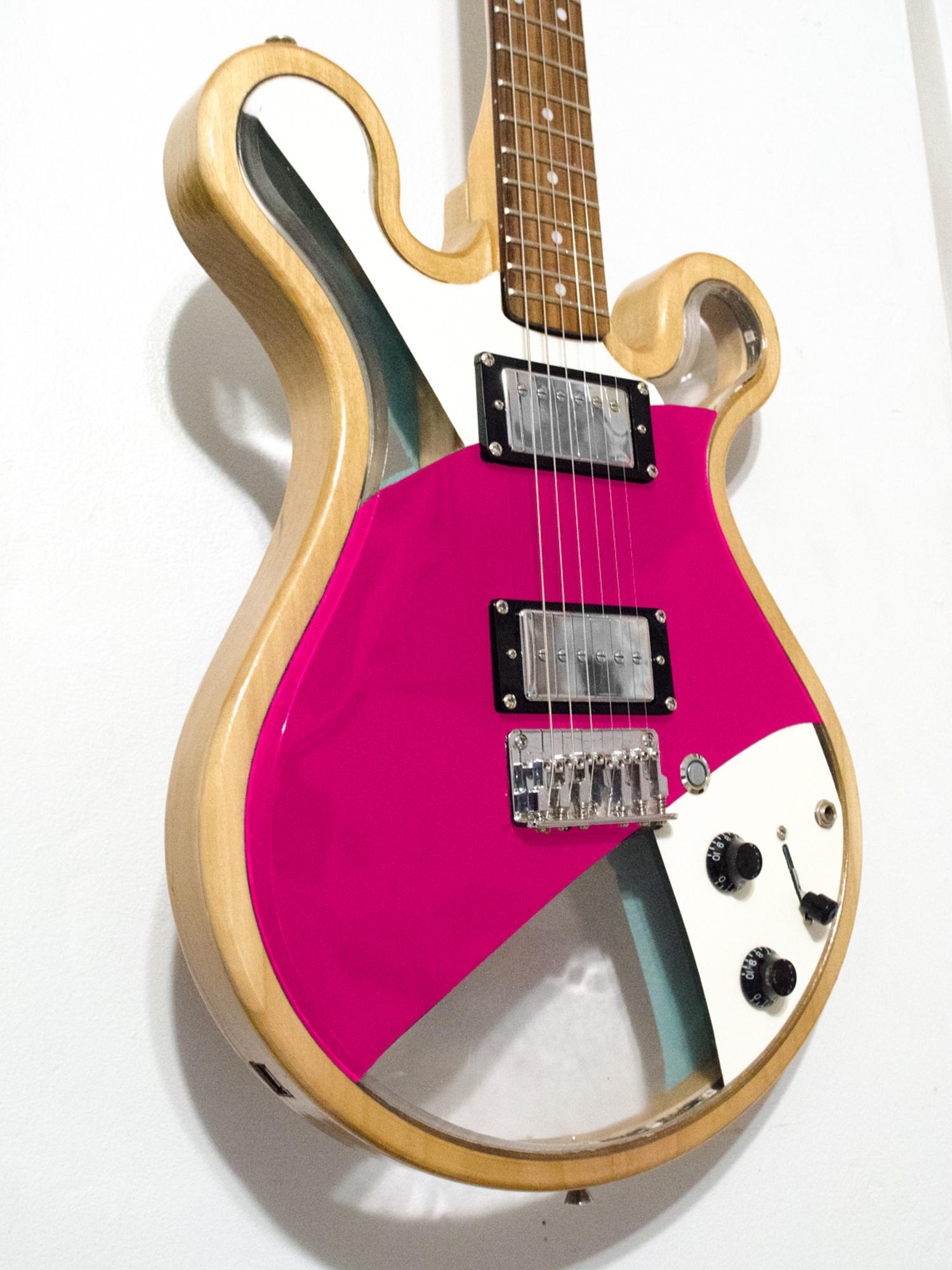 Loop_Custom_Gallo_Guitar_LED_Art_©2017-8.jpg