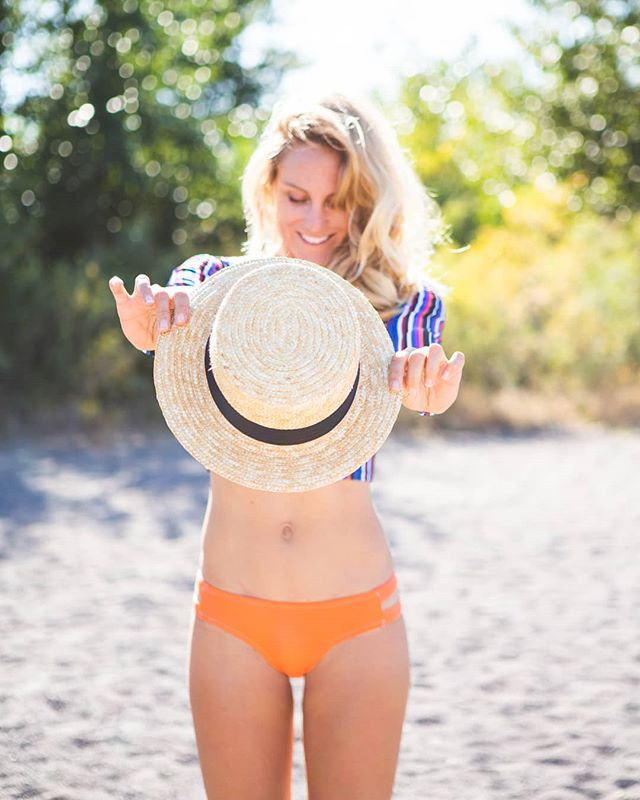 Exciting changes for @sensibikinis 2020 coming Sept. 30th!  For this next collection 100% of suits will be made from recycled materials like plastic bottles & fish nets.  I love supporting small businesses that do their part to reduce their impact & align with my personal values! Go @sensigraves! & Stay tuned for how you can get involved with this initiative. Photo by @kellytursophoto