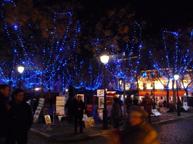Noël in Montmartre's Place du Teatre