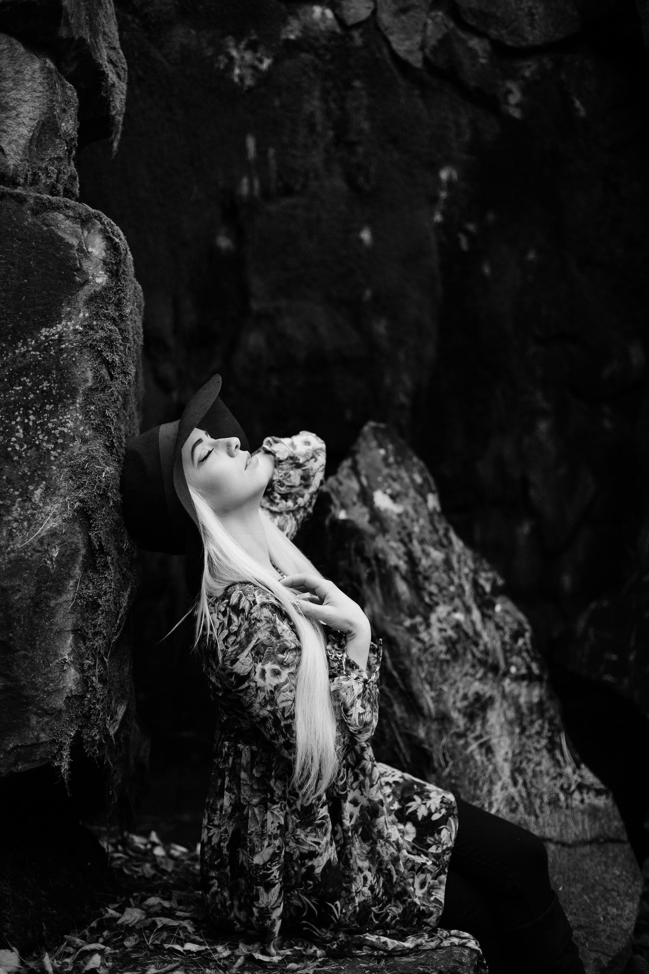 Jen_Montgomery_Photography_MN_kelsiheadshot-12BW.JPG