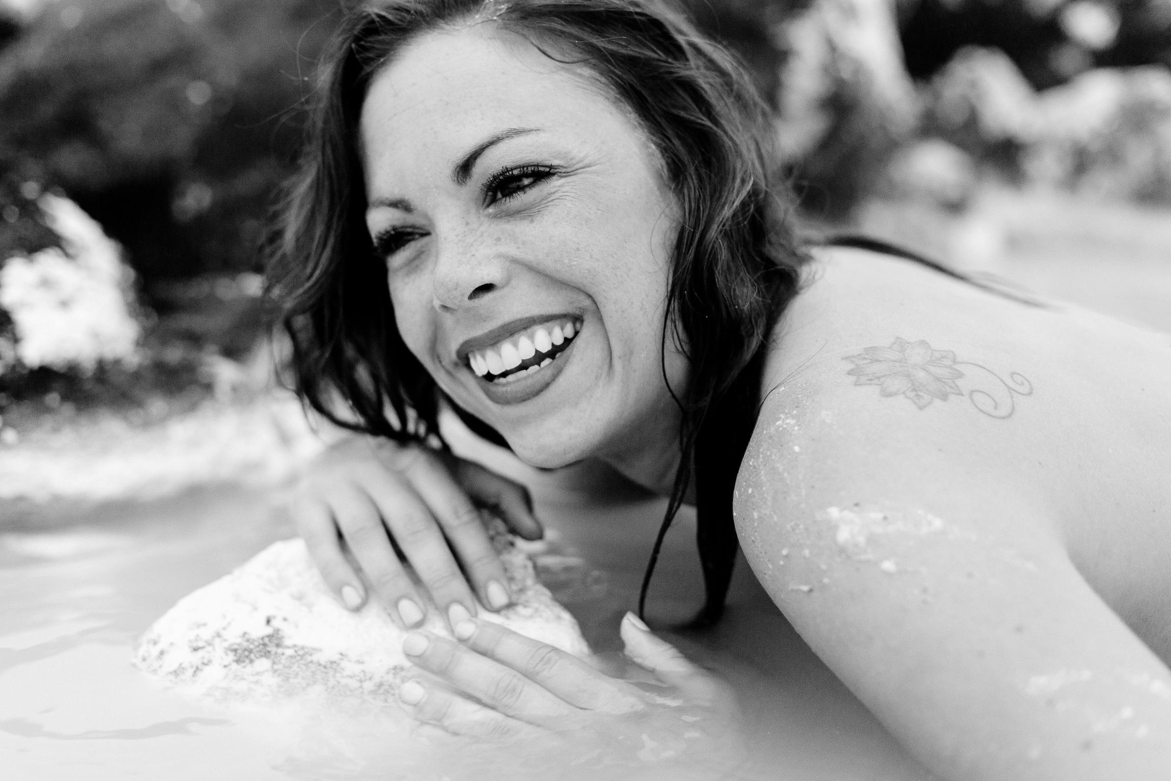 Jen_Montgomery_Photography_Lagoon_Blue_Iceland_Angie-7.jpg