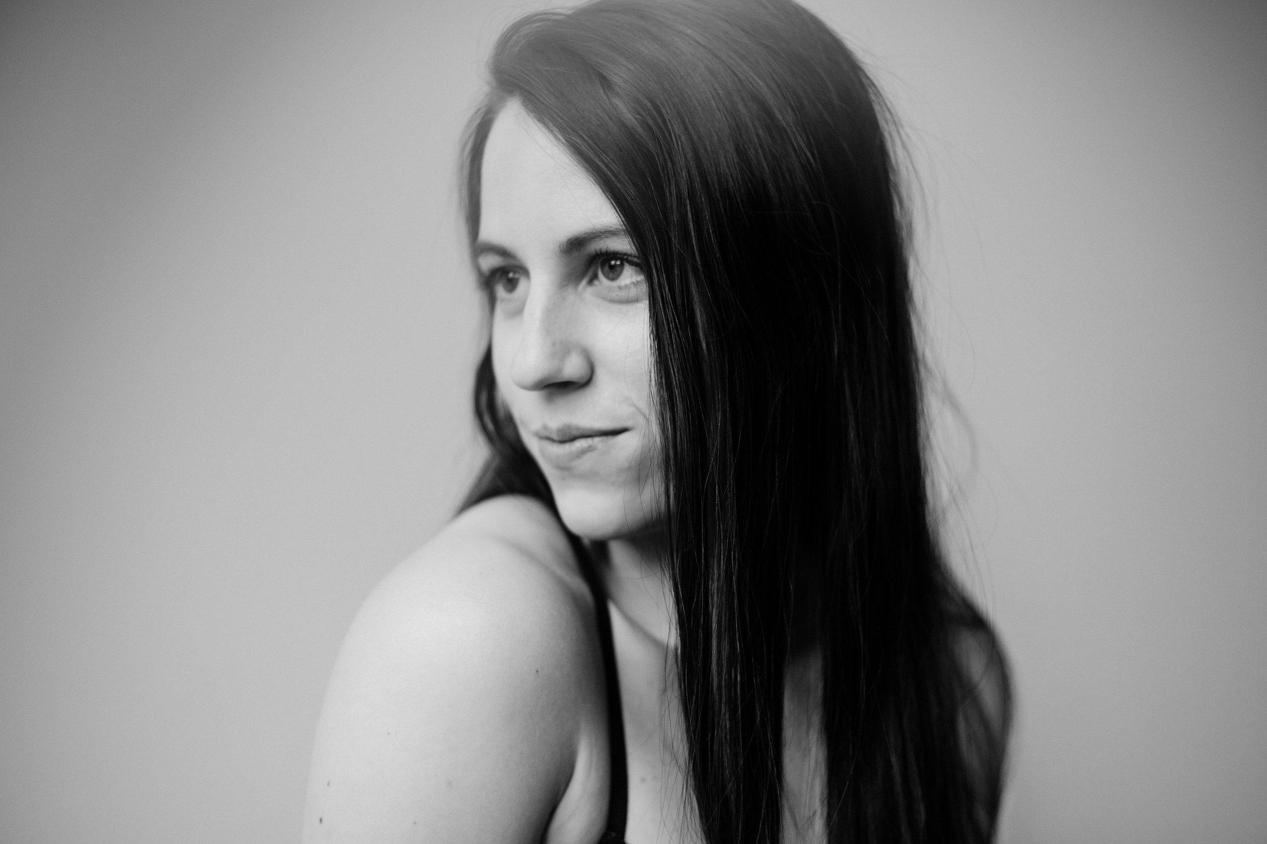 Jen_Montgomery_Photography_CarlyBoudoir-6BW.JPG