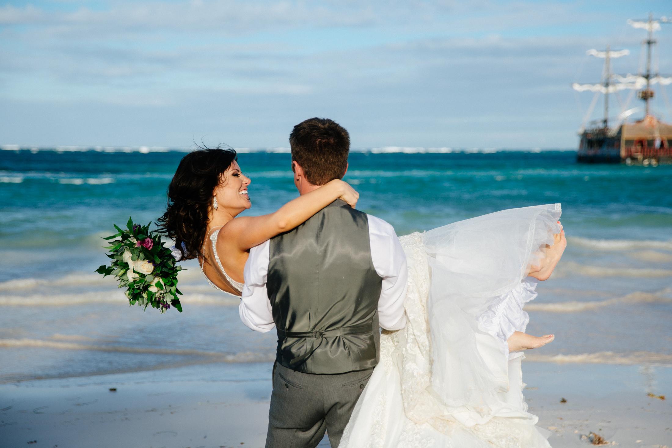 Jen_Montgomery_Photography_ZandraTyler_wedding_dominican_FB-93.jpg