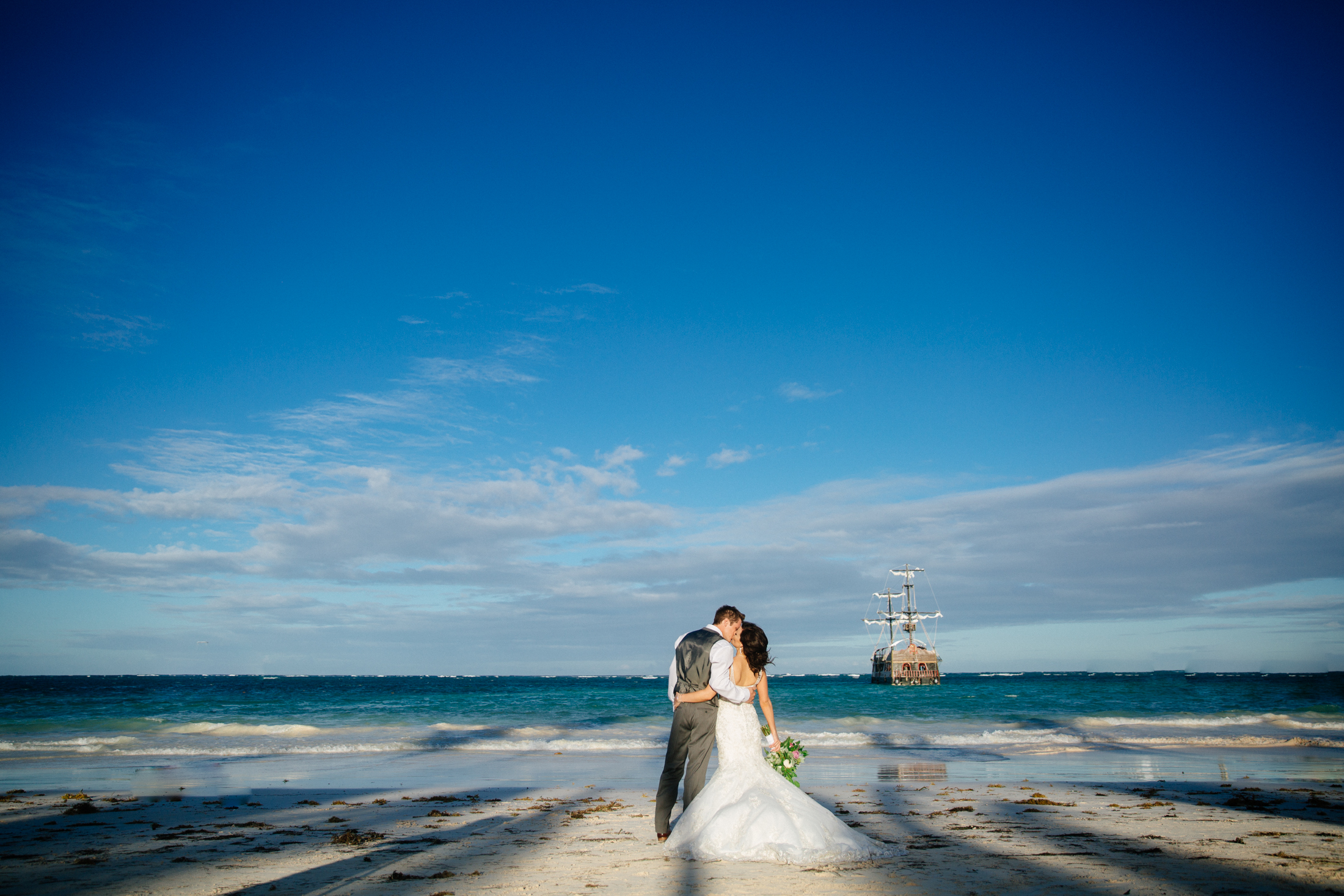 Jen_Montgomery_Photography_ZandraTyler_wedding_dominican_FB-105.jpg
