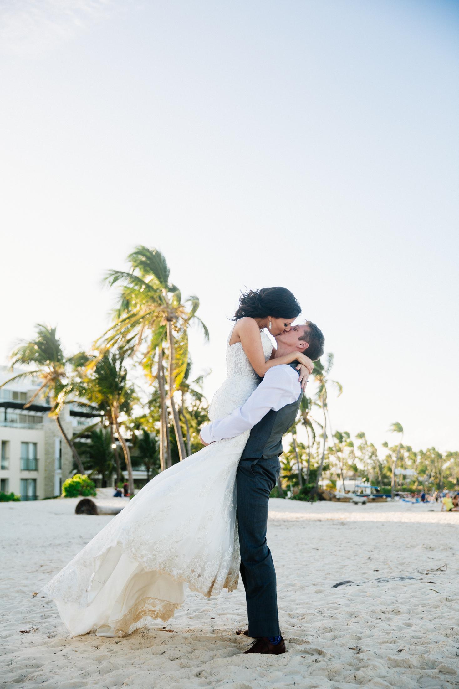 Jen_Montgomery_Photography_ZandraTyler_wedding_dominican_FB-108.jpg
