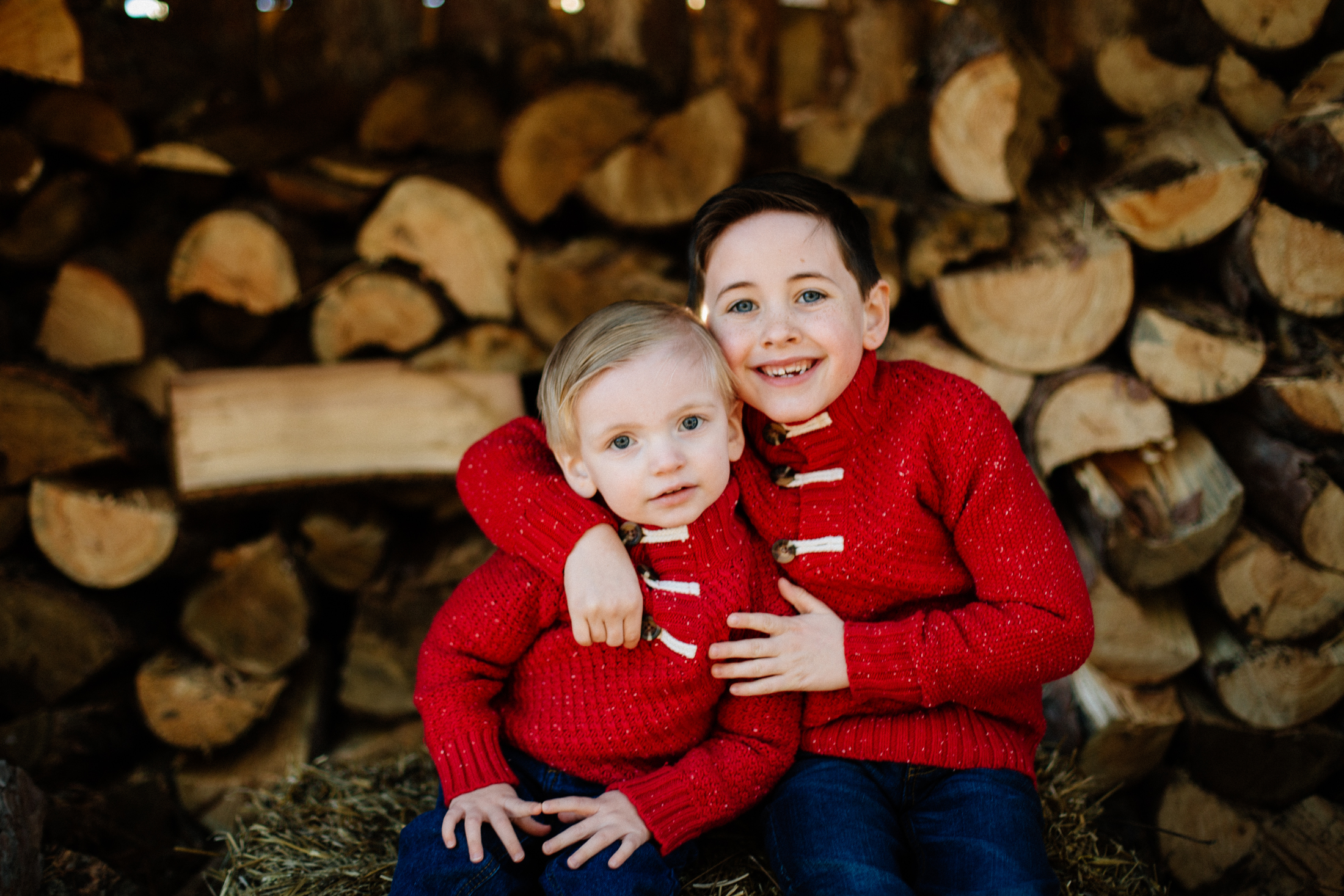 Jen_Montgomery_Photography_Arens_Holiday_Family_FB-2.jpg
