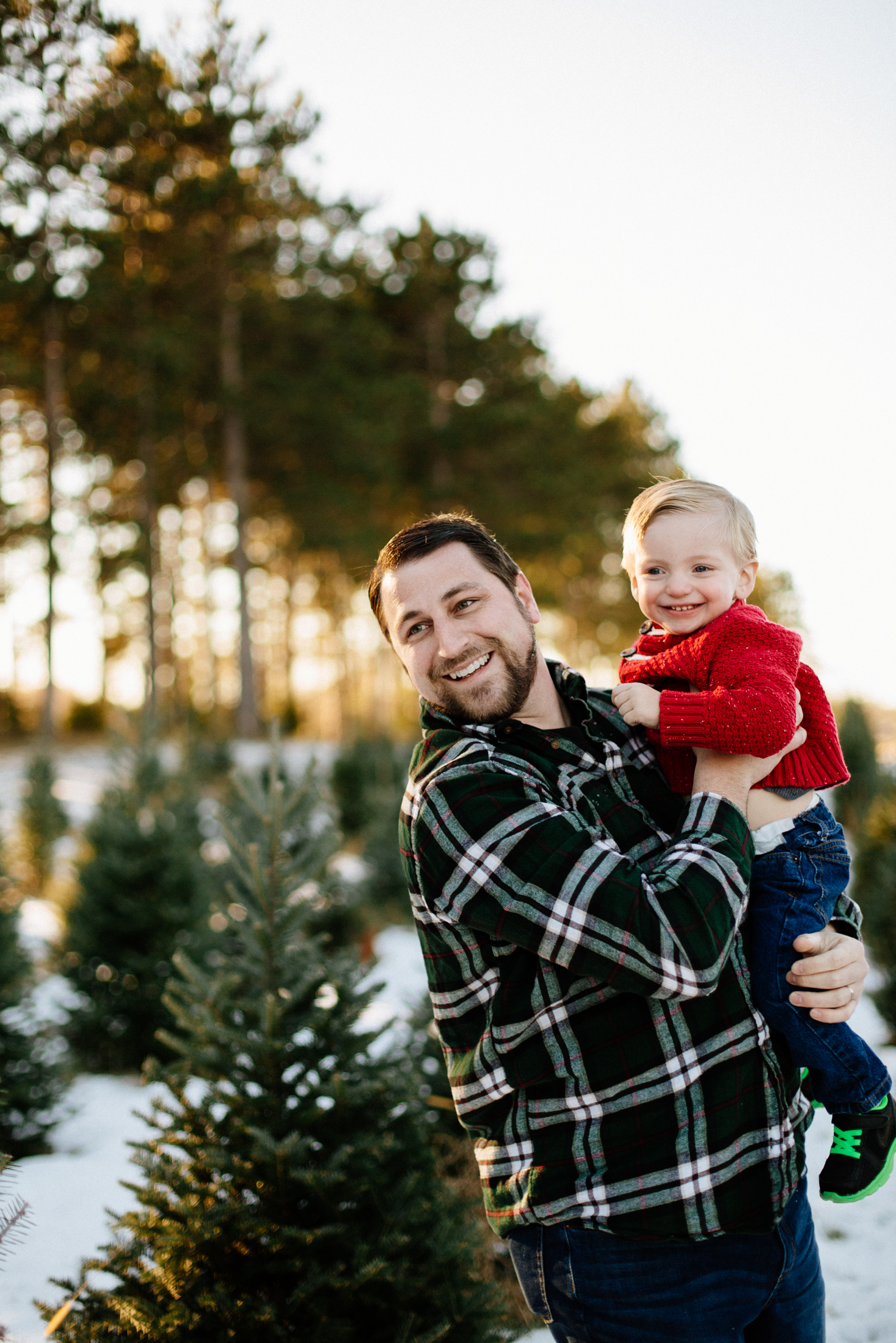 Jen_Montgomery_Photography_Arens_Holiday_Family_FB-7.jpg