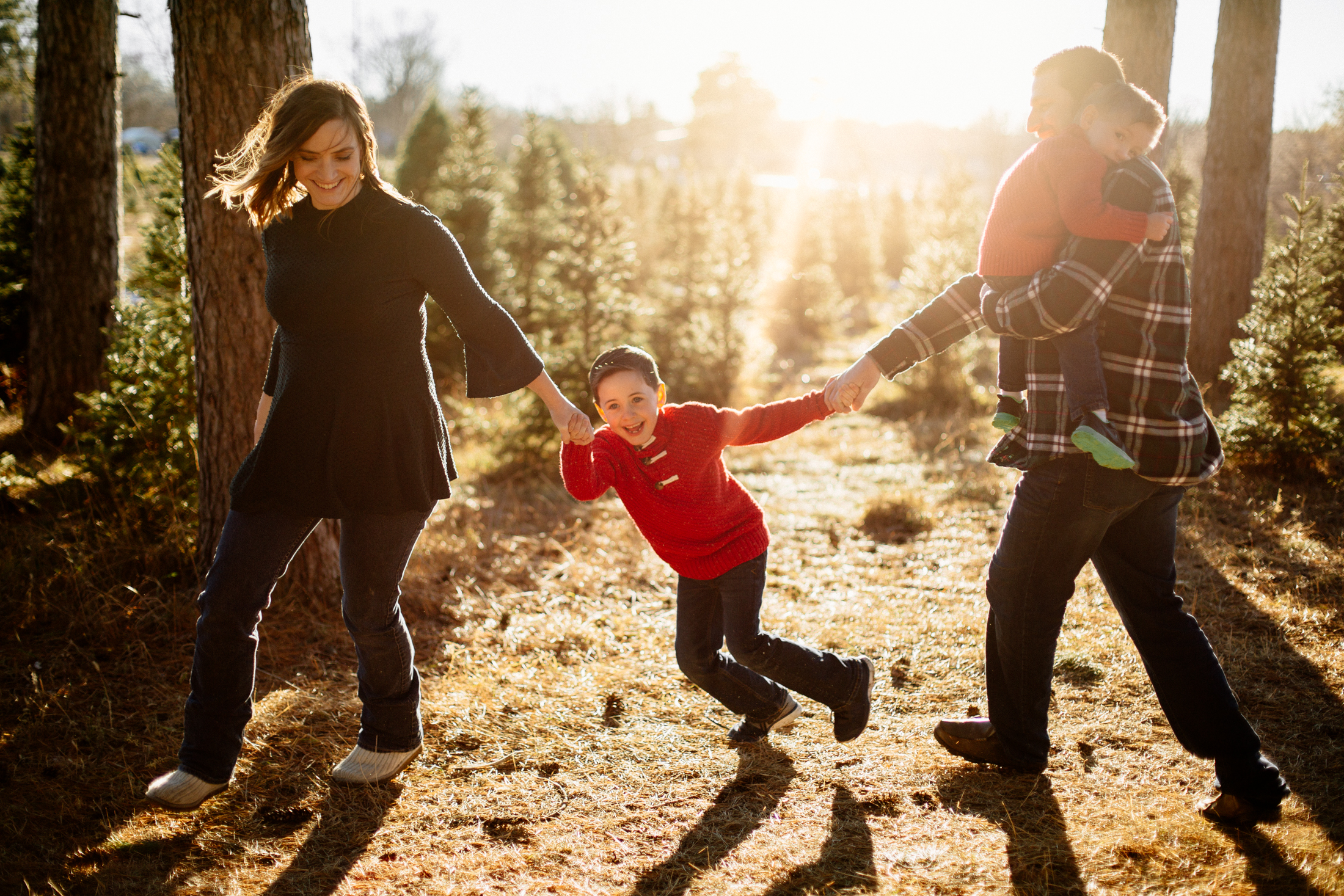 Jen_Montgomery_Photography_Arens_Holiday_Family_FB-11.jpg
