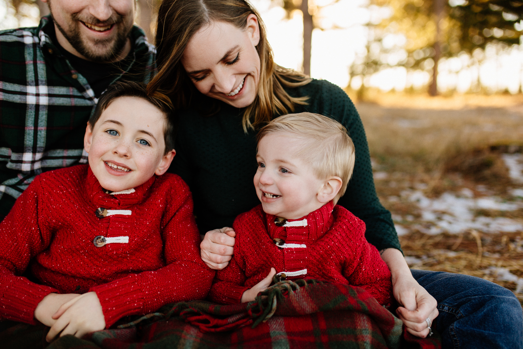 Jen_Montgomery_Photography_Arens_Holiday_Family_FB-32.jpg