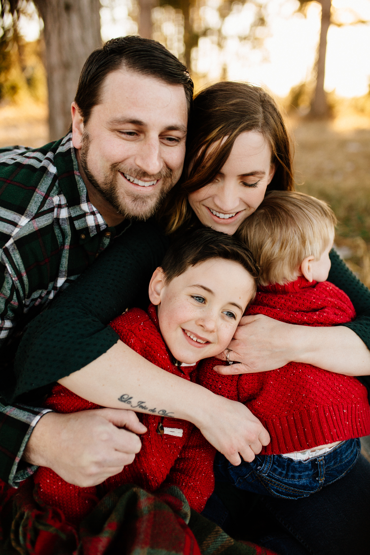 Jen_Montgomery_Photography_Arens_Holiday_Family_FB-35.jpg