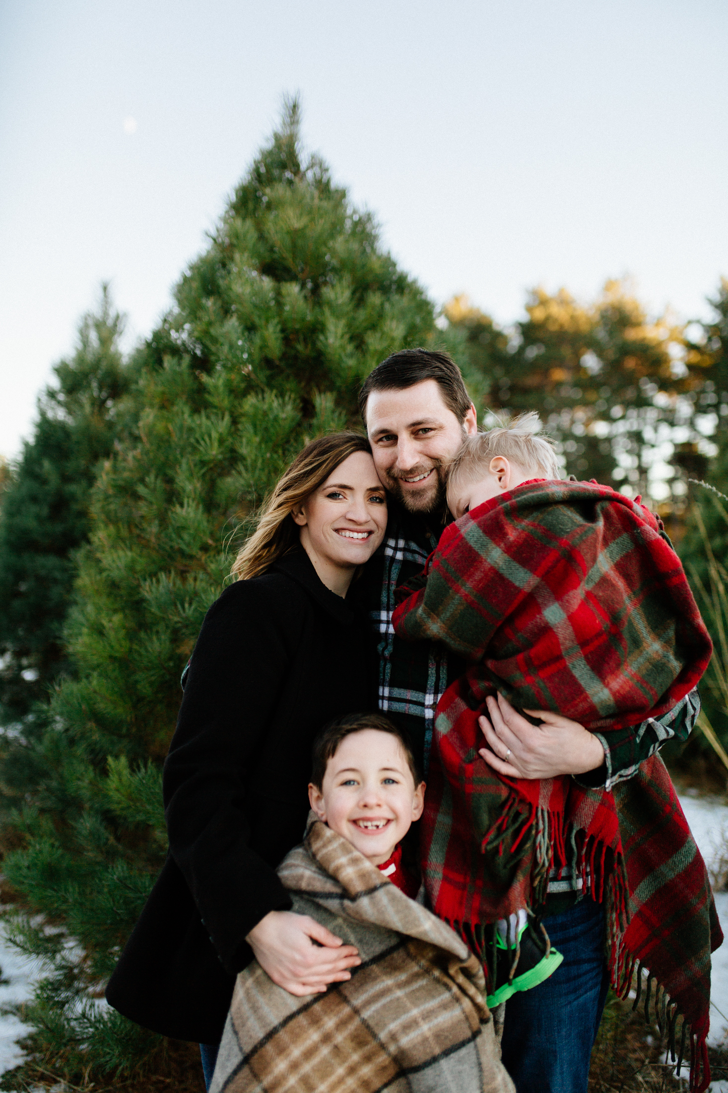 Jen_Montgomery_Photography_Arens_Holiday_Family_FB-47.jpg