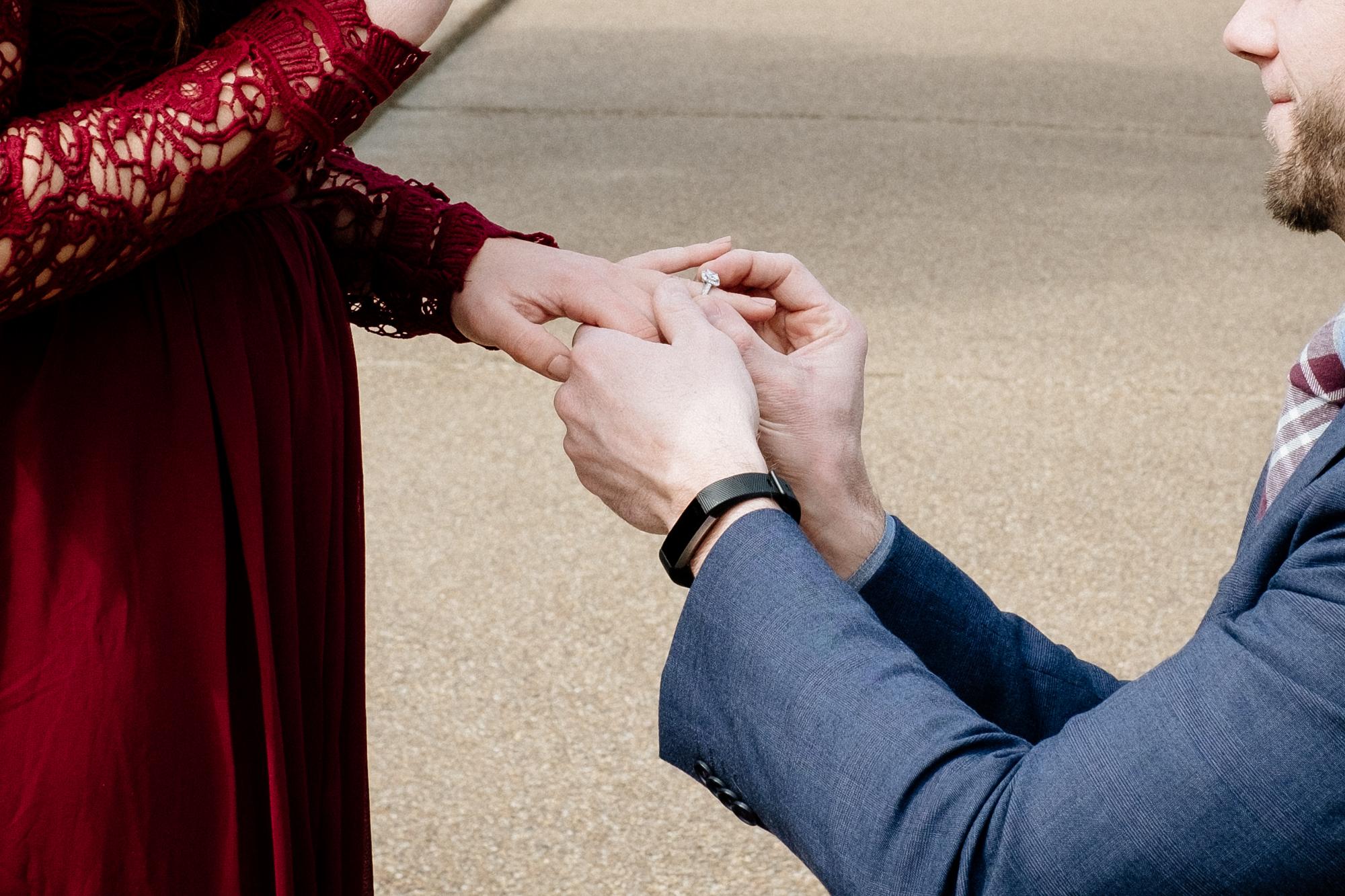Jen_Montgomery_Photography_Angela_Brian_Engagement_Proposal_FB-14.jpg
