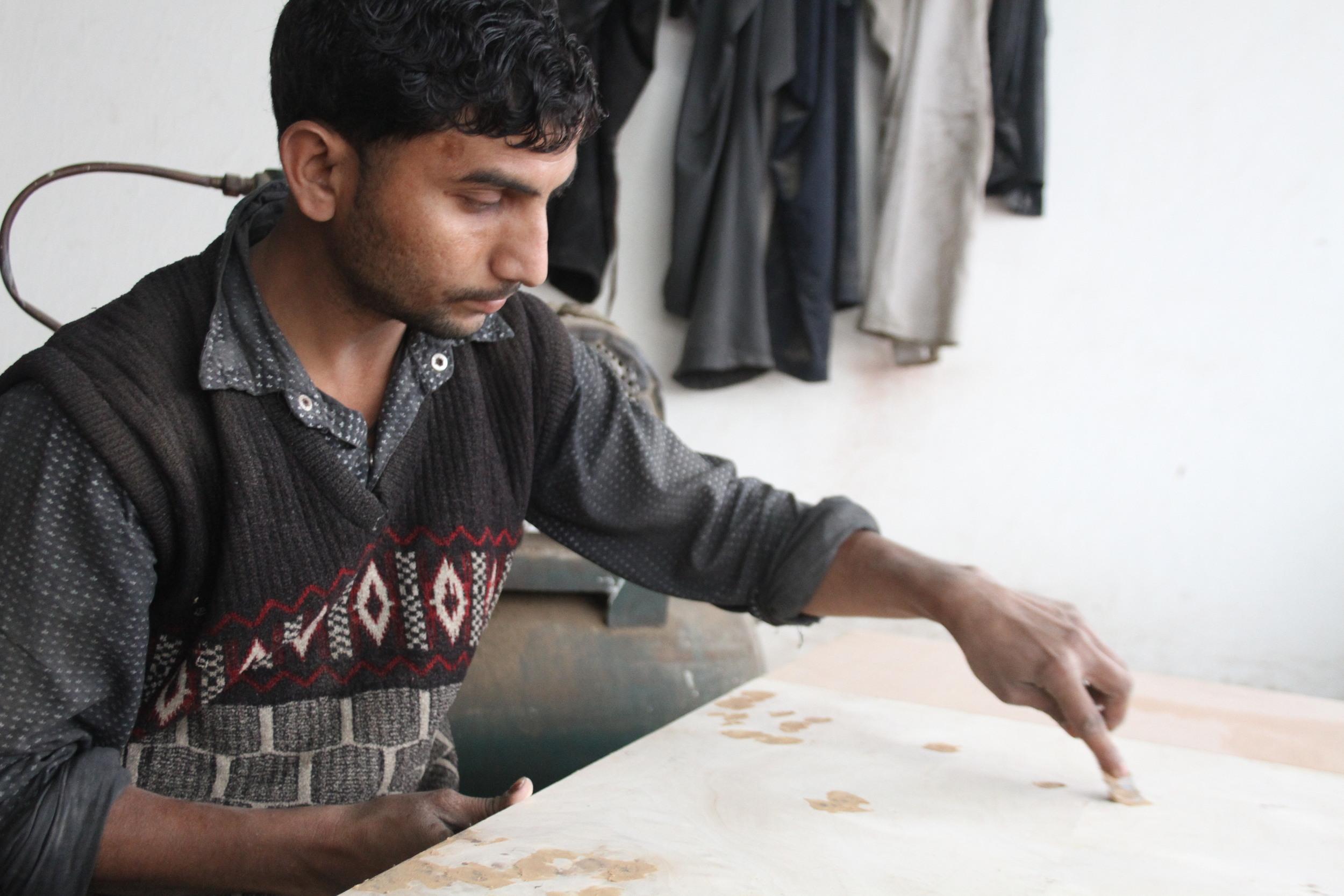furniture carver in india workshop