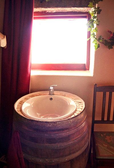Rammed-earth-bathroom.jpg