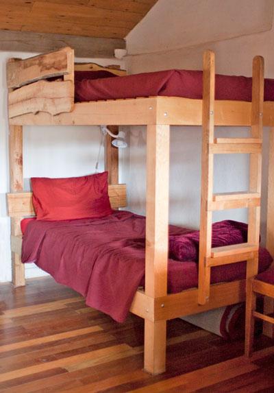 Rammed-earth-bunks.jpg