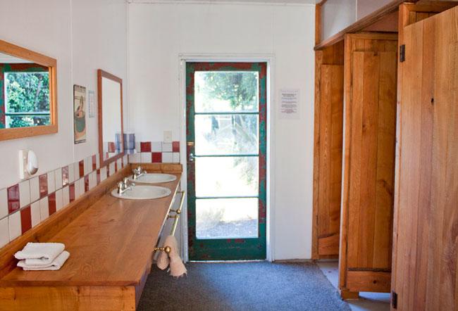 Ash-House-bathroom.jpg
