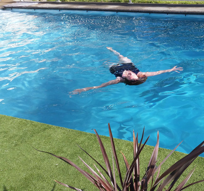 Staging-Post-relaxing-in-the-pool.jpg