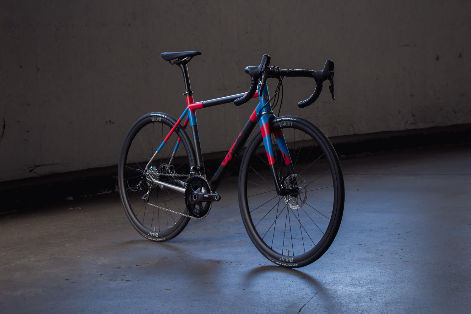 quirk_cycles_stainless_carbon_climber_road_JPEG_0003.jpg