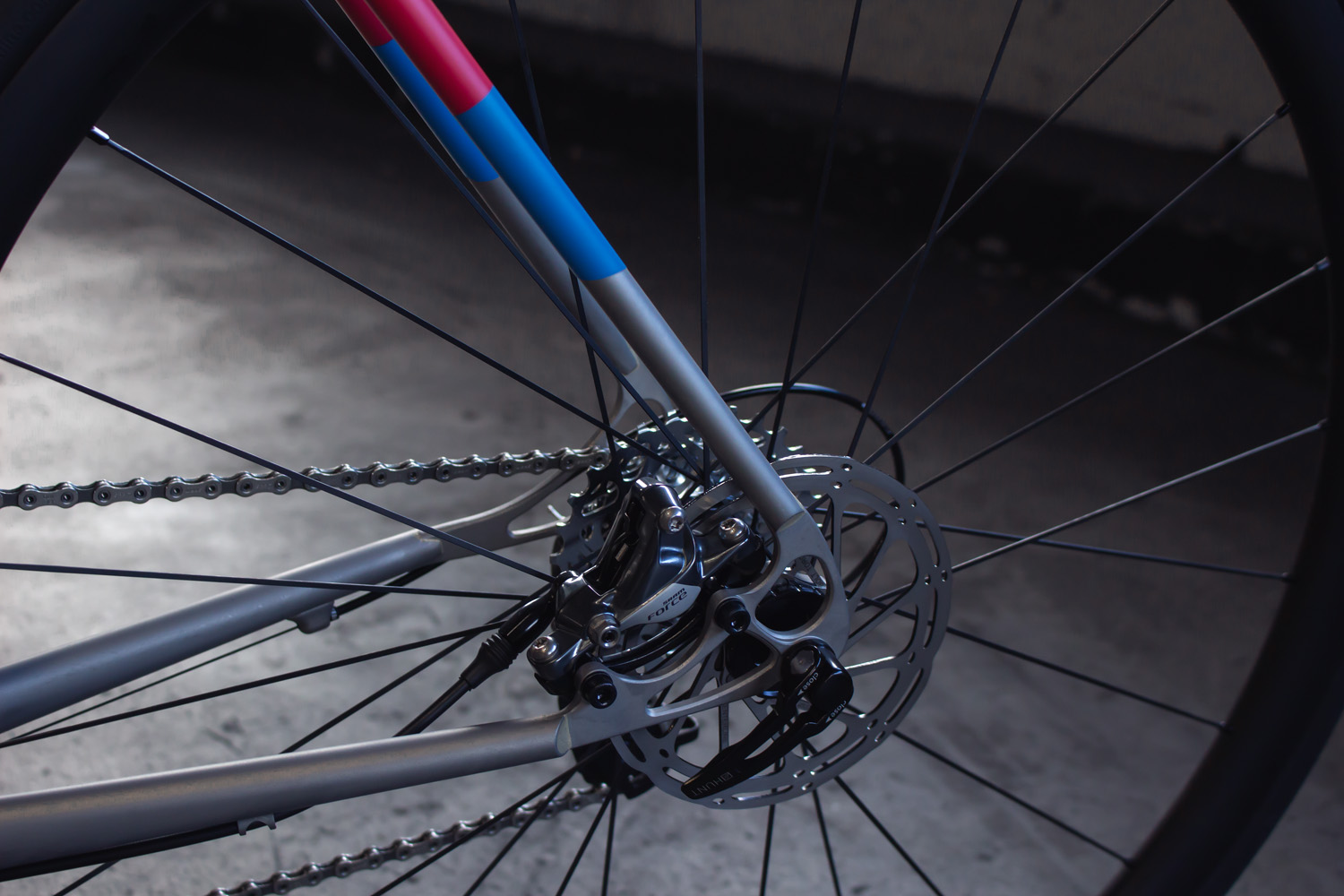 quirk_cycles_stainless_carbon_climber_road_JPEG_0008.jpg