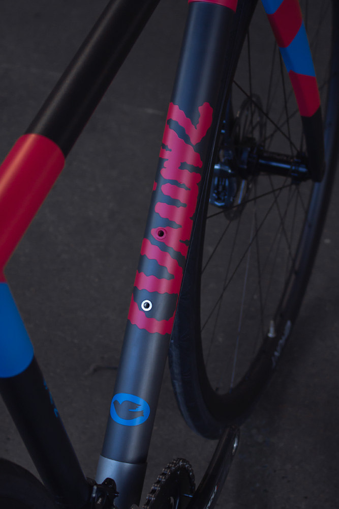 quirk_cycles_stainless_carbon_climber_road_JPEG_0011.jpg