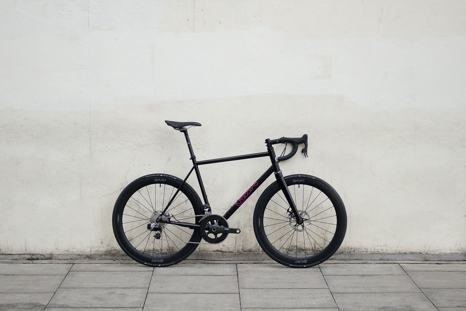 quirk_cycles_alastairs_fast_disc_road_web_0002.jpg