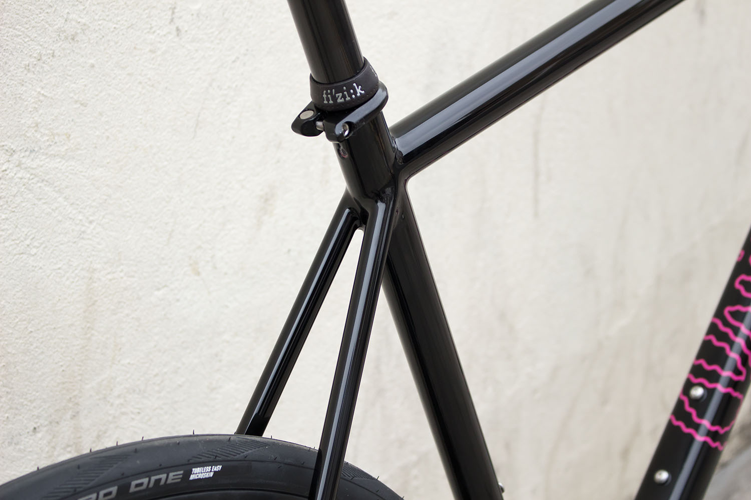 quirk_cycles_alastairs_fast_disc_road_web_0006.jpg