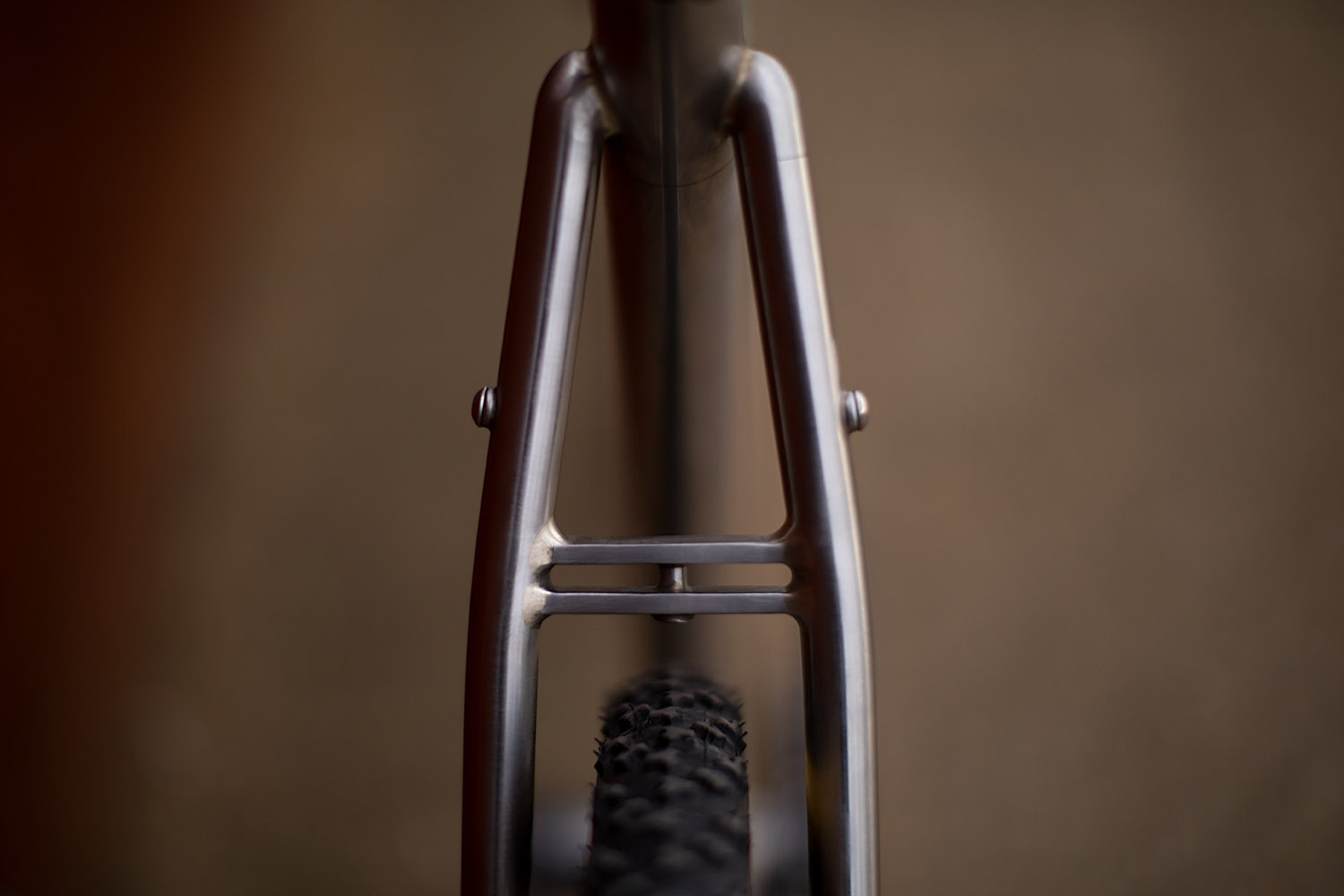 quirk_cycles_alistairs_stainless_bruiser_08.jpg