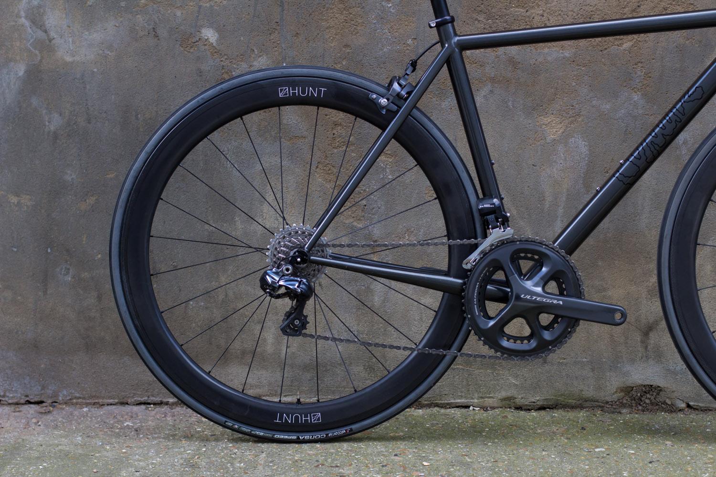 quirk_cycles_wisebuds_stealth_road__03.jpg