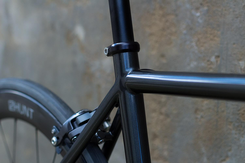 quirk_cycles_wisebuds_stealth_road__04.jpg