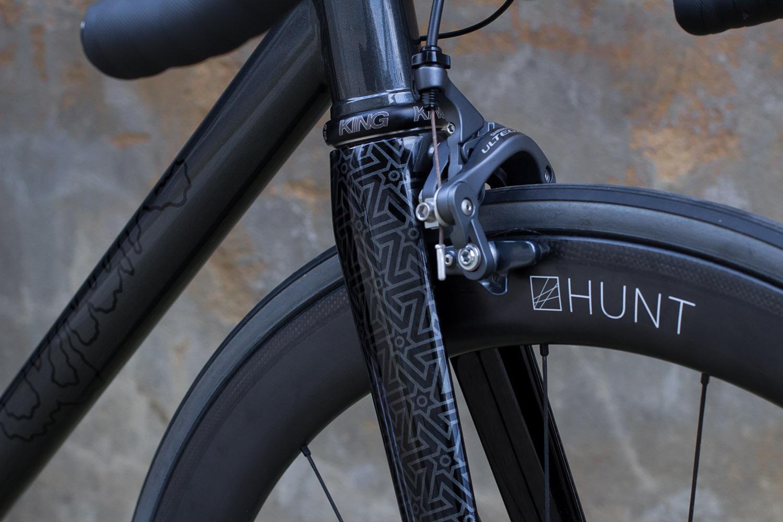 quirk_cycles_wisebuds_stealth_road__08.jpg