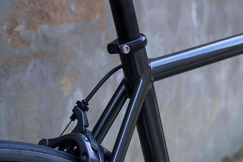 quirk_cycles_wisebuds_stealth_road__09.jpg