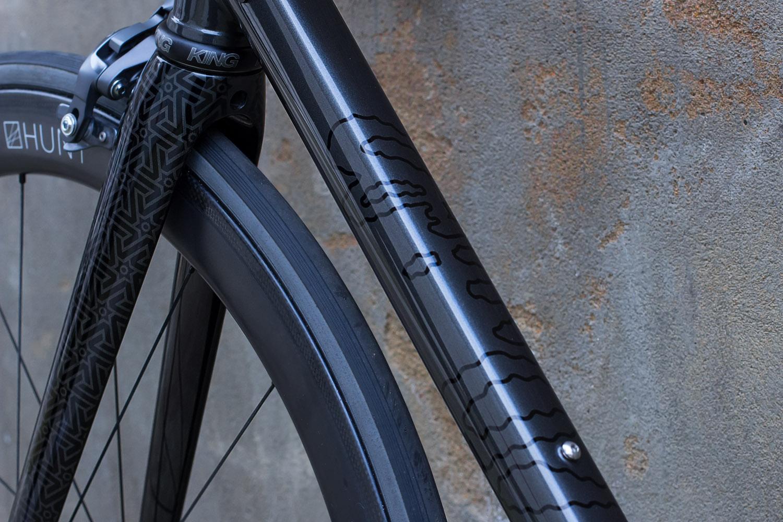 quirk_cycles_wisebuds_stealth_road__11.jpg