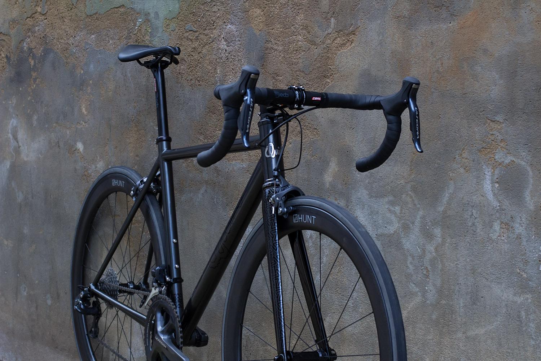quirk_cycles_wisebuds_stealth_road__12.jpg