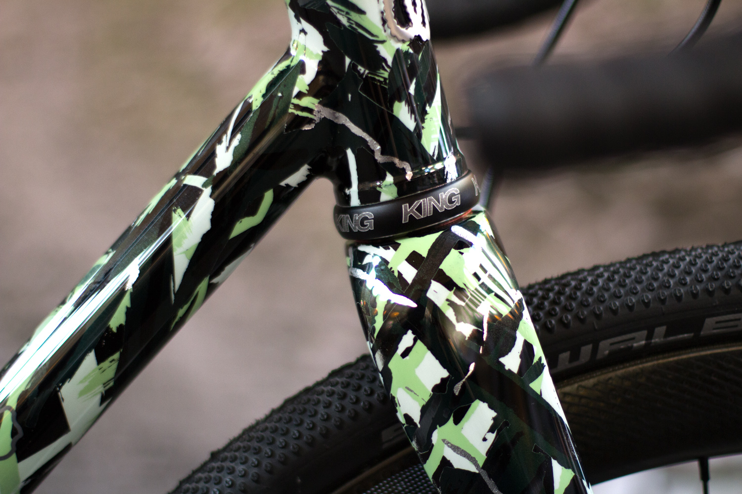 quirk_cycles_sram_bespoked_build_01.jpg