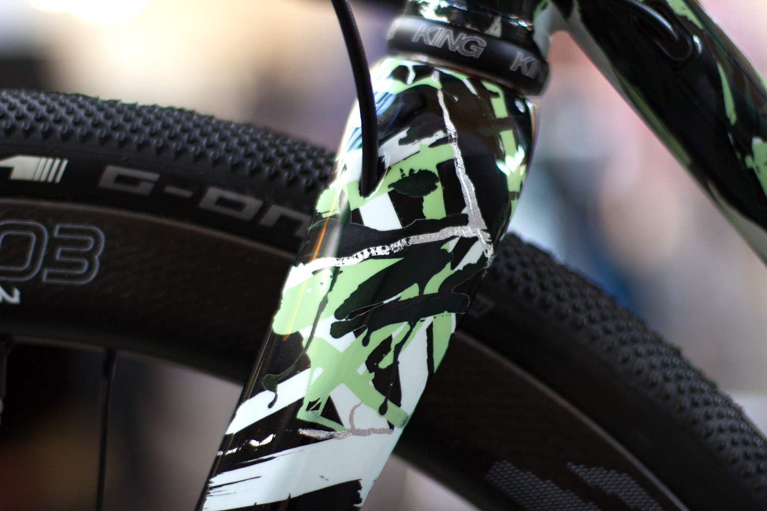 quirk_cycles_sram_bespoked_build_05.jpg