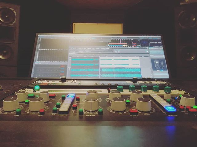 Today: Some dope hip hop from Germany! @chabezo_official #masteringengineer #mastering #musicproduction #music #rap #hiphop #dope #studio #beat #console #buttons