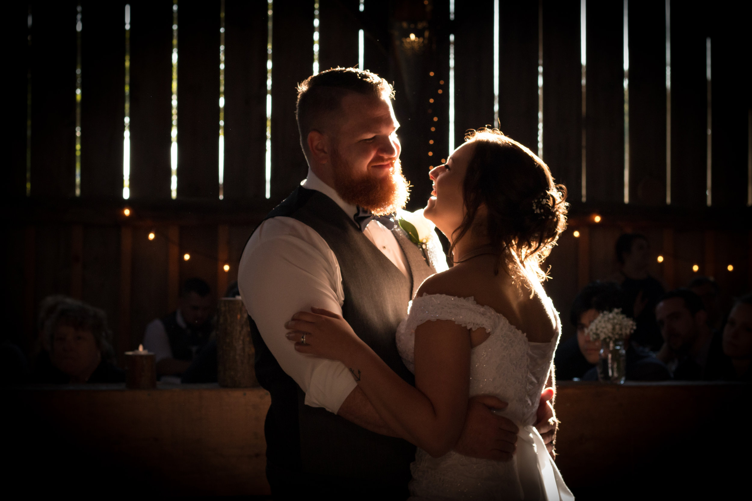 emilysotiphotography-LIB-nikki+greg-firstdancebarnwedding.jpg