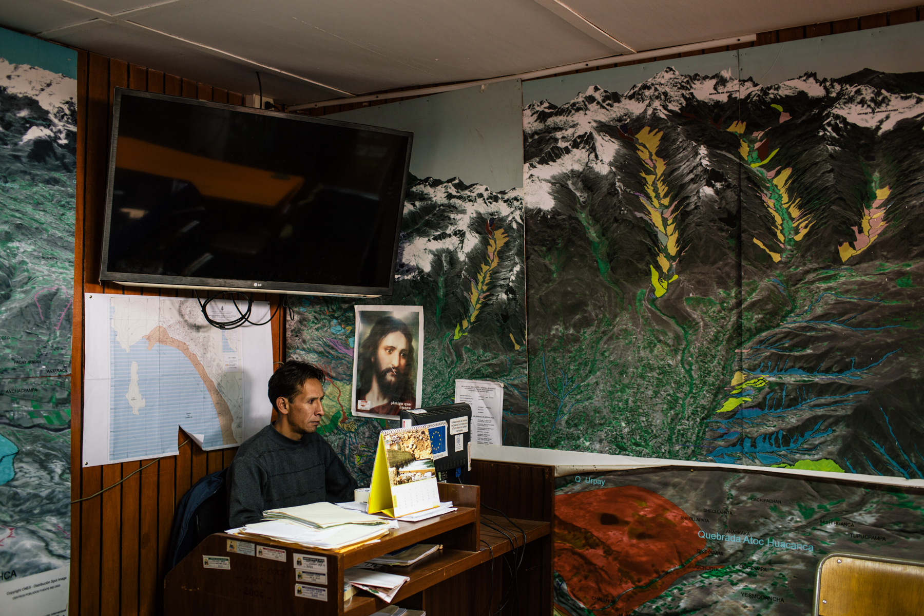 Alejandro Mejia, assistant operator for the center of operations of Defensia Civil of Ancash department.