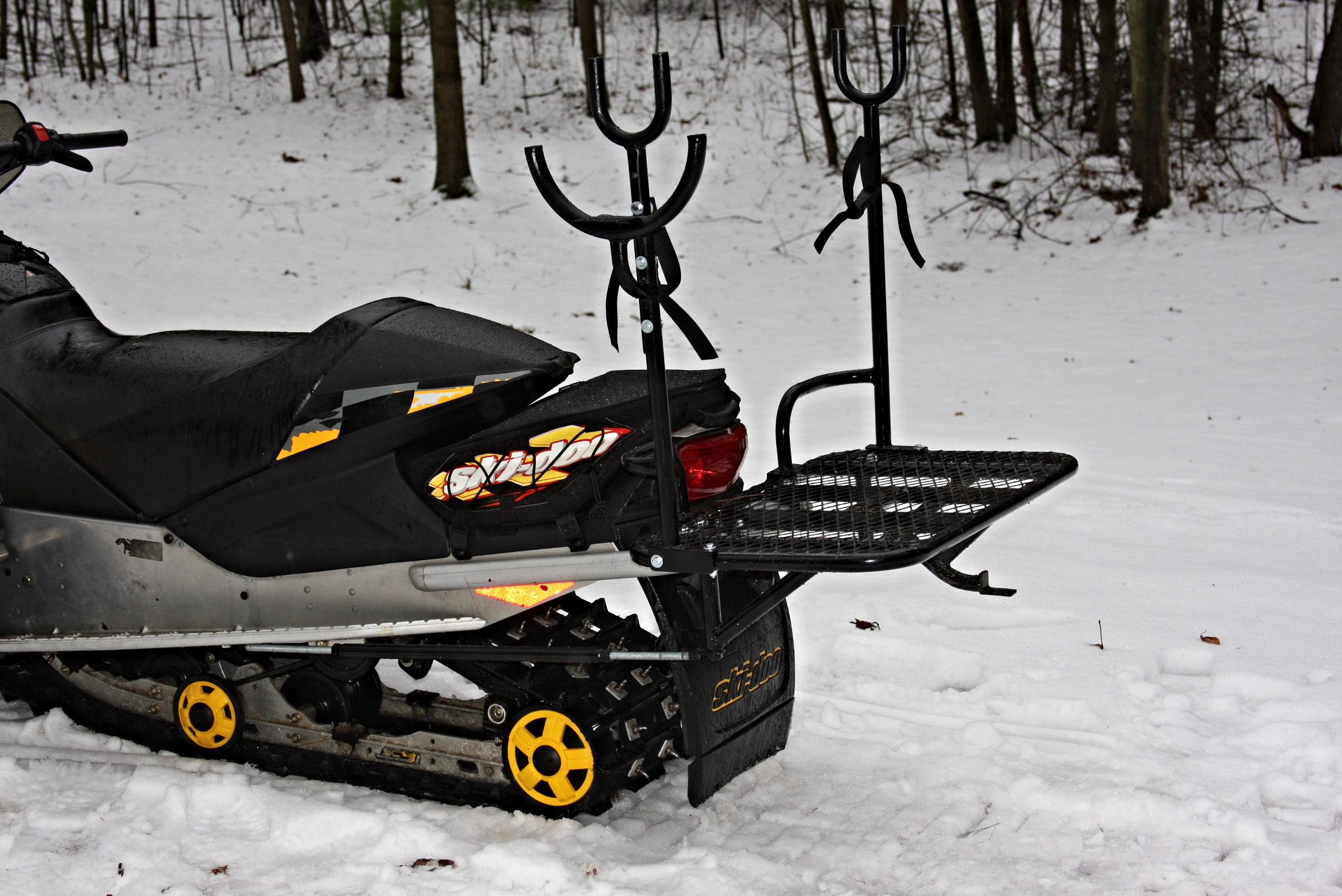 snowmobile_auger_rack
