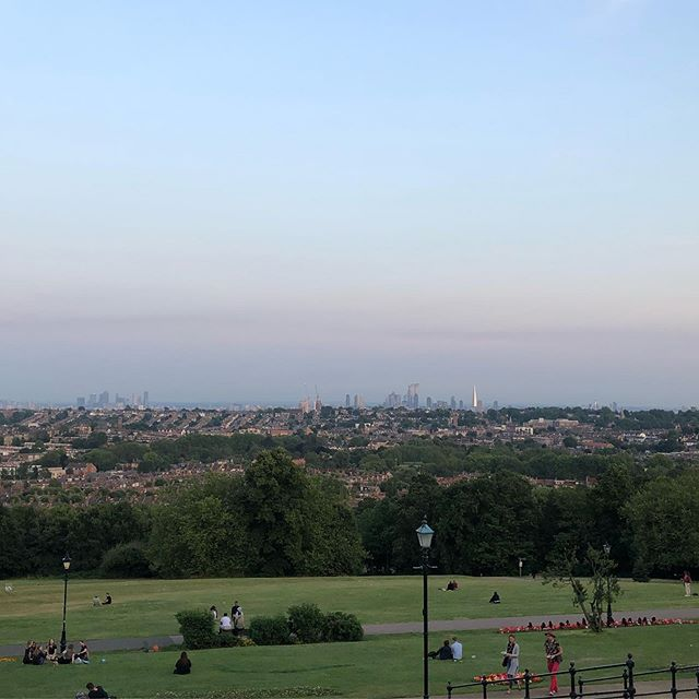 An impromptu slow and long 20 miler after work yesterday took in some nice views at Ally Pally, and then needed a tasty stack of pancakes this morning as a reward 🏃🏼‍♂️🙋🏼‍♂️🥞🥓😋 ⠀⠀⠀⠀⠀⠀⠀⠀⠀ #instarunners #justrun #marathon #marathontraining #running #run #parkrun #5km #runners #race #notarace #summer #ukrunners #fitness #runchat #ukrunchat #worldrunners #instarun #instarunners #runnersofinsta #runnersofinstagram